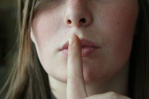 Dopo la pazienza, il silenzio è la virtù dei forti